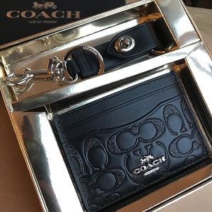 Coach signature card wallet and keychain set